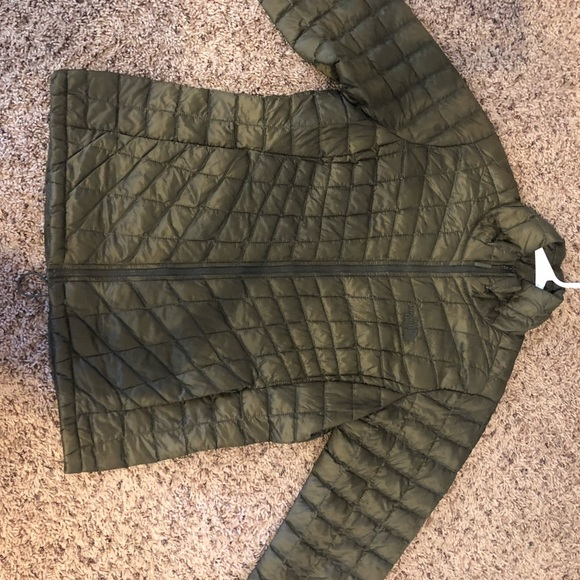 NORTH FACE THERMOBALL Jacket (Like new)